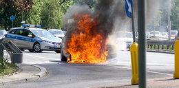Dramatyczne zdjęcia! Samochód płonął jak pochodnia