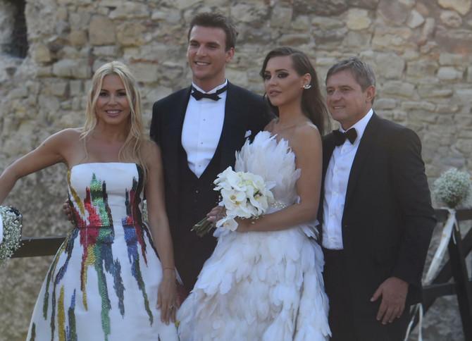 Snežana Stojković, Anja i Hugo Valente i Dragan Stojković Piksi na Kalemgdanu gde je organizovano veliko slavlje