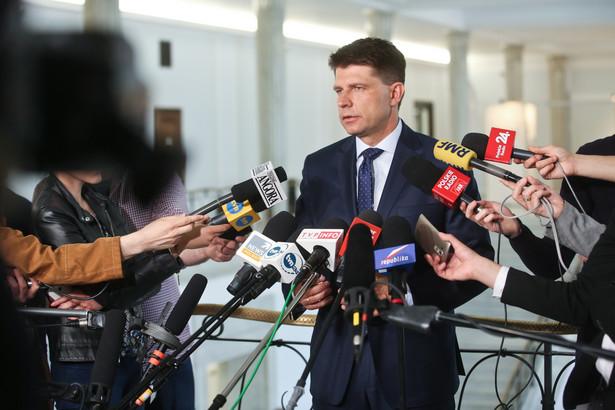 Lider Nowoczesnej Ryszard Petru podczas konferencji prasowej w Sejmie, 13 bm. (kru) PAP/Rafał Guz