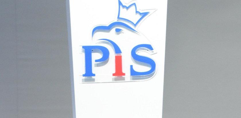 Radny PiS zaatakował policjantów. Został wykluczony z partii