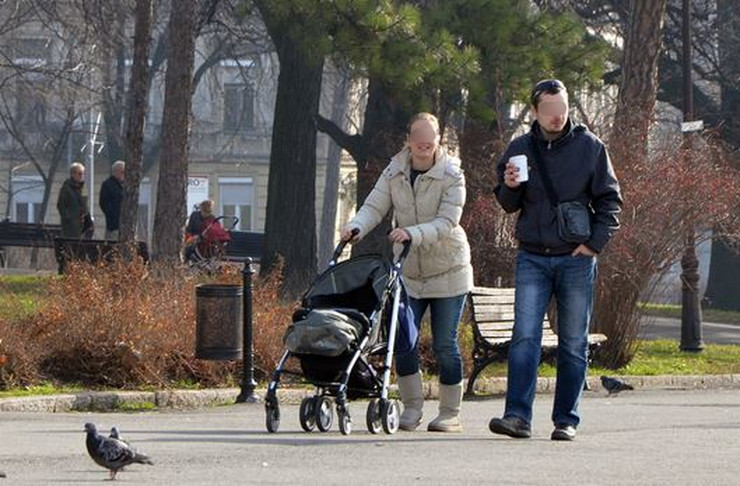 lepo vreme kalemegdan roditelji beba RAS Goran Srdanov blurovano