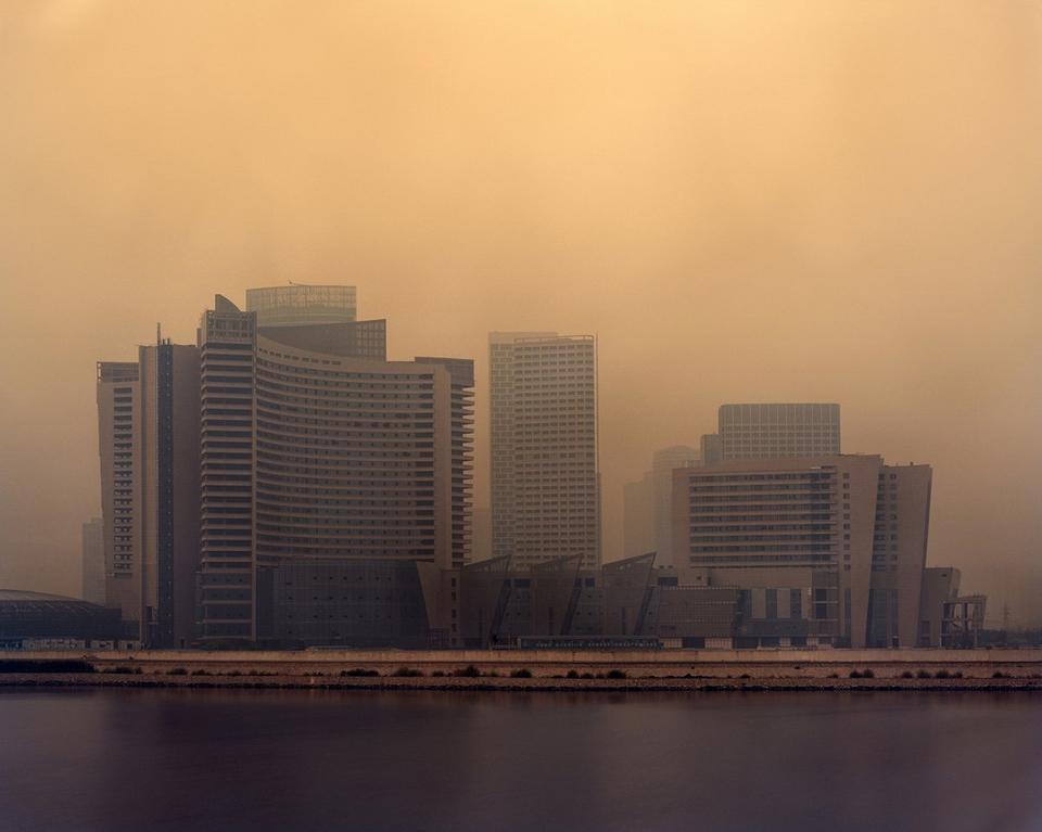 """Caemmerer nocował właśnie w tych pobliskich """"funkcjonujących"""" miastach."""
