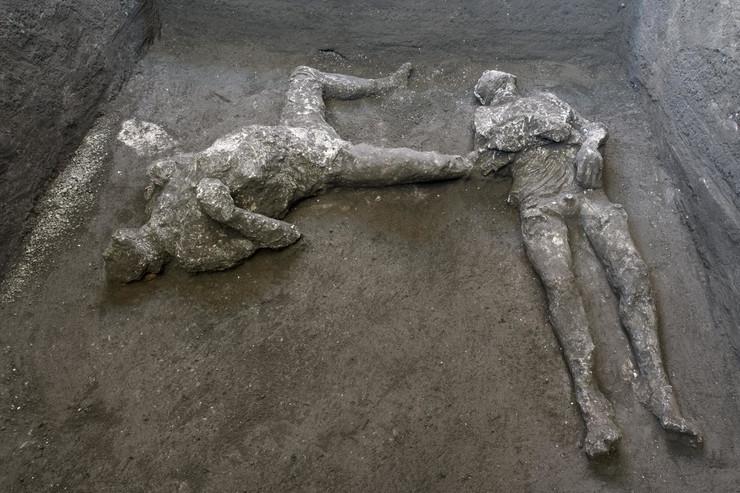 Pompeja ostaci bogataša i roba arheološko otkirće