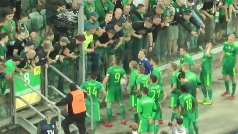 Kibice i piłkarze Śląska Wrocław