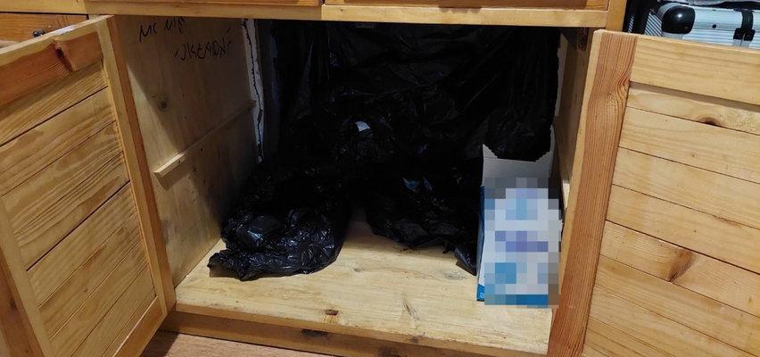 To nie była zwykła szafka. Policjanci zajrzeli do środka i osłupieli