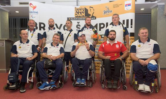 Deo naše paraolimpijske delegacije po povratku iz Rija