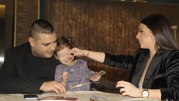 Ana Sević i Darko Lazić sa ćerkom Lorenom