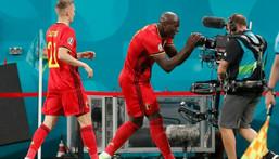 Belgium striker Lukaku (C) shouts his message to stricken Inter Milan team-mate Eriksen after scoring in Saint Petersburg Creator: Anatoly Maltsev