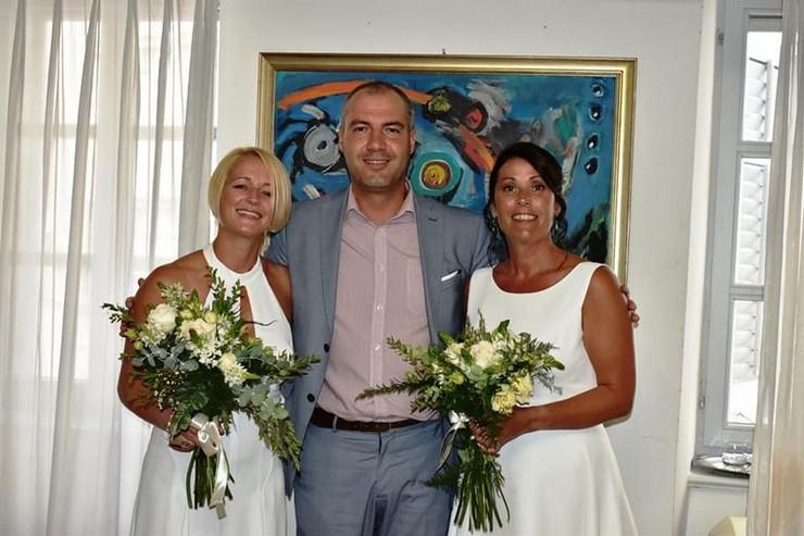 Annemarie Woodward i Verity Gamble, venčanje
