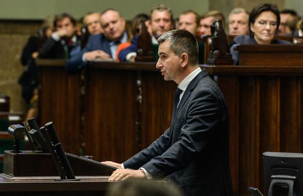Mateusz Szczurek i Ewa Kopacz podczas posiedzenia Sejmu. Fot. PAP/Jakub Kamiński