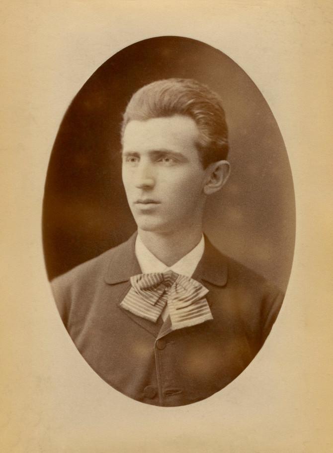 Mladi Nikola Tesla