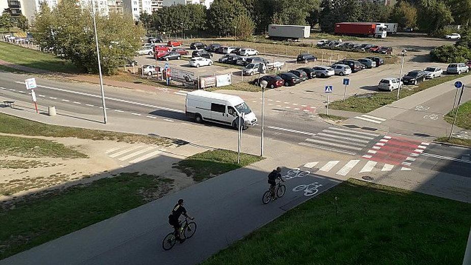 Jedno z najbardziej niebezpiecznych dla rowerzystów miejsc w Warszawie