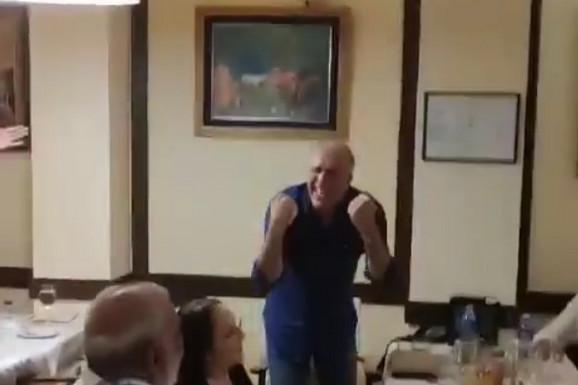 NEVEROVATAN SNIMAK SA SVADBE Željko Obradović u transu, zapevao ovo - i cela Srbija o tome sada priča! /VIDEO/