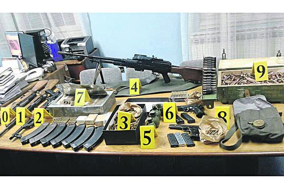 Grupa je oružje dovozila iz BiH