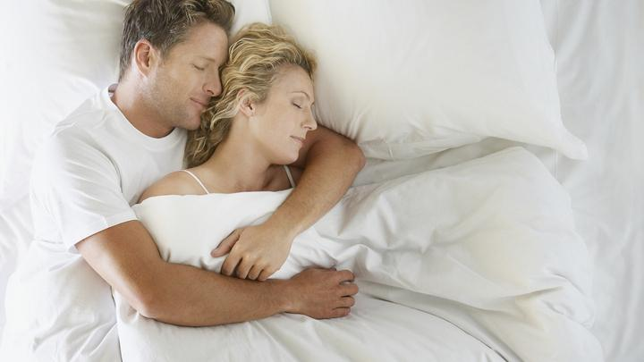 férfiak alvása alvászavar ha a pénisz áll, de puha