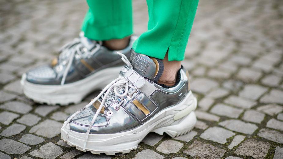 Sneakersy łatwe w czyszczeniu - przegląd