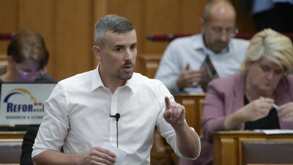 Jakab Péter olyat szólt be Tállai Andrásnak, amit ritkán hallani a Parlamentben - videó