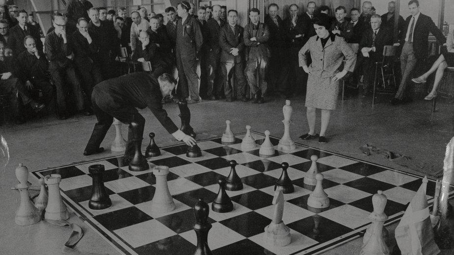 Nona Gaprindaszwili podczas meczu szachowego w 1968 r.
