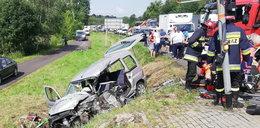 Auto zderzyło się z karetką. Jedna osoba nie żyje