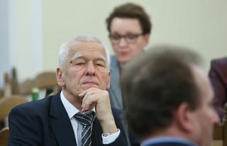 Kornel Morawiecki: 4 tys. to wsparcie, a nie zachęta, by rodzić nieszczęśliwe dzieci