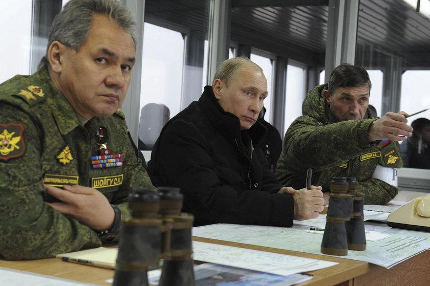 Rosyjski prezydent Władimir Putin i jego minister obrony narodowej Rosji Siergiej Szojgu