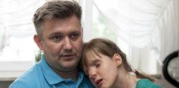 Dzielny ojciec codziennie walczy o zdrowie Paulinki. Pomóżmy mu!