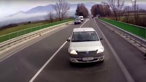 Nagranie zderzenia czołowego. Dacia zjechała wprost pod nadjeżdżającą ciężarówkę!