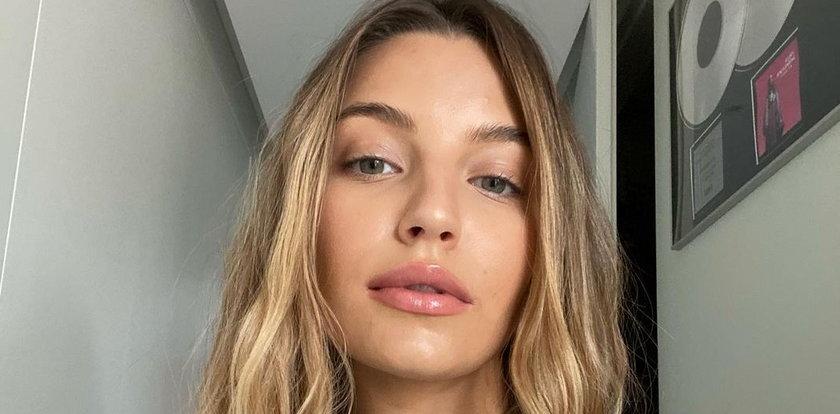 """Julia Wieniawa w """"modowym makijażu"""" nie wzbudziła entuzjazmu internautów. """"Oj, komuś ręka poleciała w tych kreskach"""""""