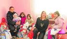 SRCE ZA DECU Majka i šestoro dece dobili kuću: Deda Mraz nam je sad ispunio sve želje