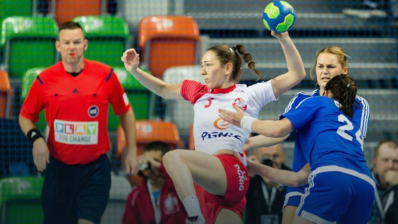 Monika Kobylińska w trakcie meczu Polska - Finlandia