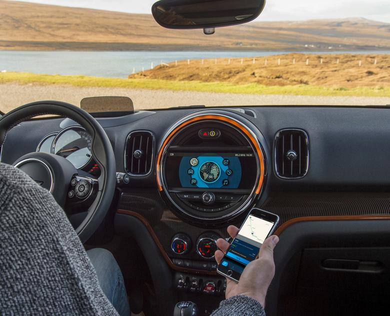 Mini Connected czyli integracja smartfona z samochodem