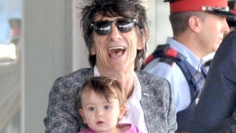 Gitarzysta The Rolling Stones zabrał w trasę żonę i dzieci