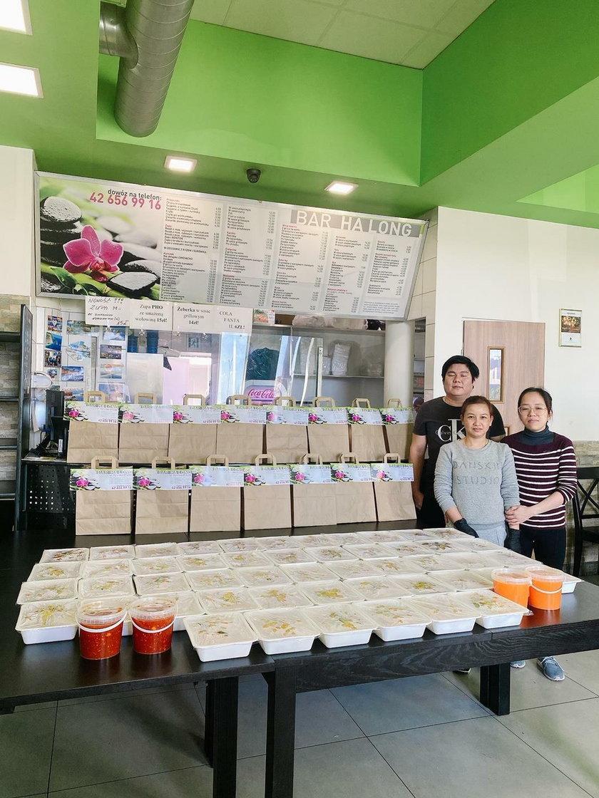 Łódzkie restauracje pomagają dowożąc posiłki dla lekarzy na służbie