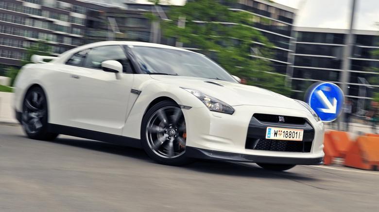 Nissan to supersportowiec: ma świetne osiągi, ale jest koszmarnie drogi w utrzymaniu.
