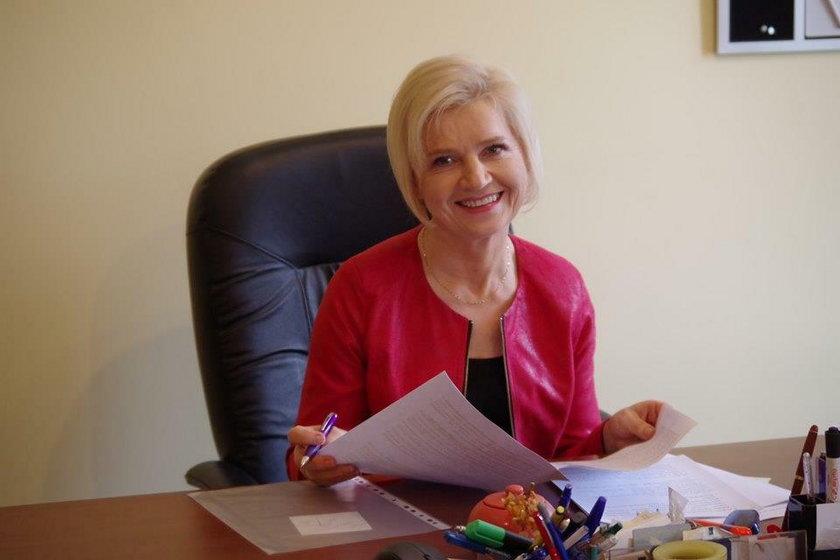 Senator Lidia Staroń uspokaja