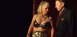 Biedrzyńska pokazała biust na scenie