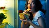 Czy da się skończyć z nocnym podjadaniem?