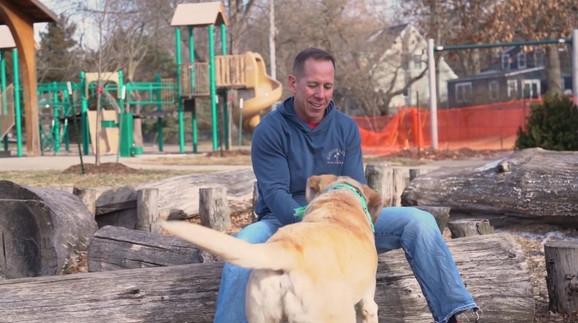 Džef je rekao da će dodatnih 25.000 dolara donirati azilu za pse