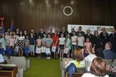 Policajci nagradili talentovane mališane u Sremskoj Mitrovici, promo
