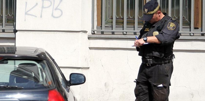 Strażnicy nie dają mandatów. Protest strażników miejskich w Katowicach