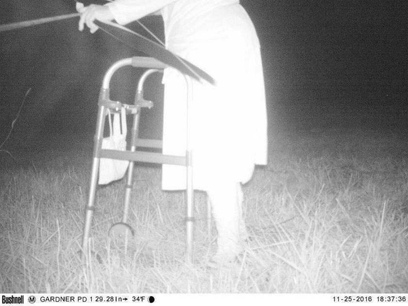 Policjanci dostali informację, że na terenie parku w Kansas pojawiła się puma