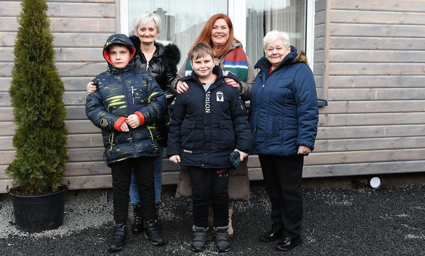 """Ekipa programu """"Nasz nowy dom"""" wyremontowała dom pani Agaty i jej rodziny."""