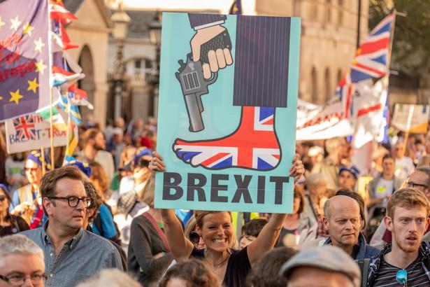 Zmiany dają rządowi większą swobodę w negocjacjach z UE