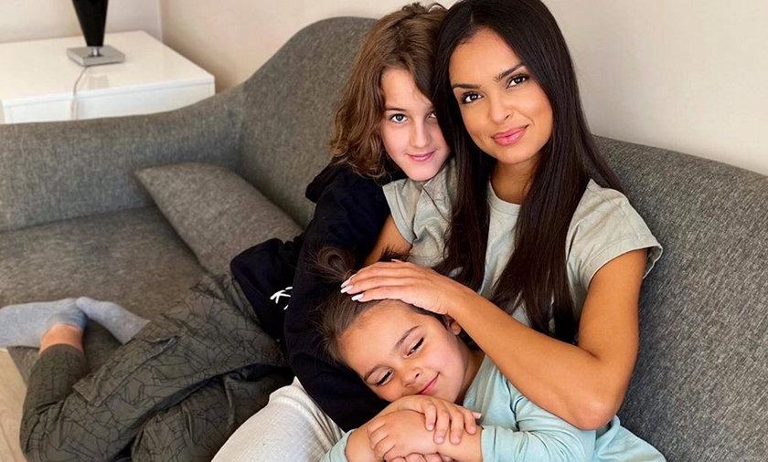 Klaudia El Dursi z synami.