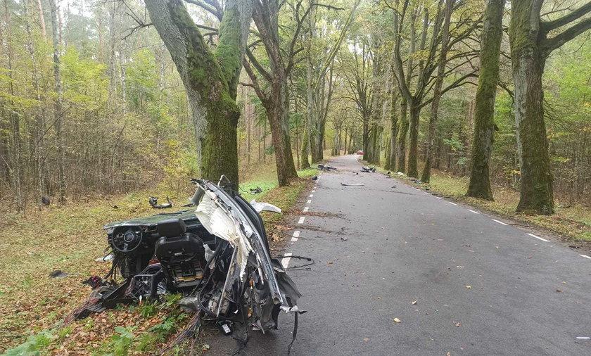 Tragiczny wypadek pod Olsztynem. Śmierć kierowcy audi