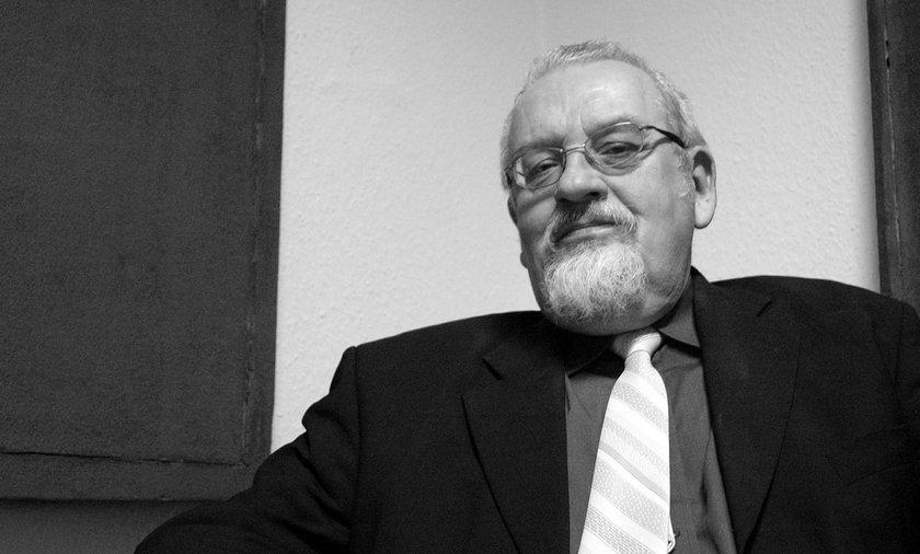 Prof. Tadeusz Zgółka nie żyje.