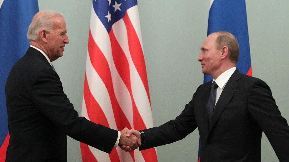 Joe Biden i Władimir Putin, 2011 r.