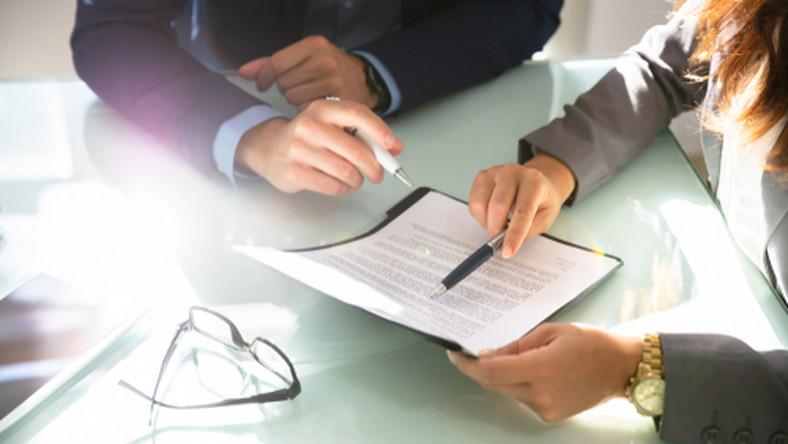 praca, umowa, pracownik/fot. Shutterstock