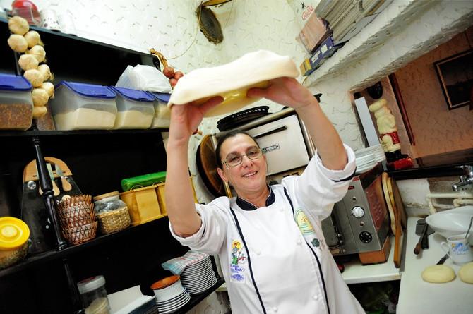 Od Italijana je naučila kako se testo vrti i baca