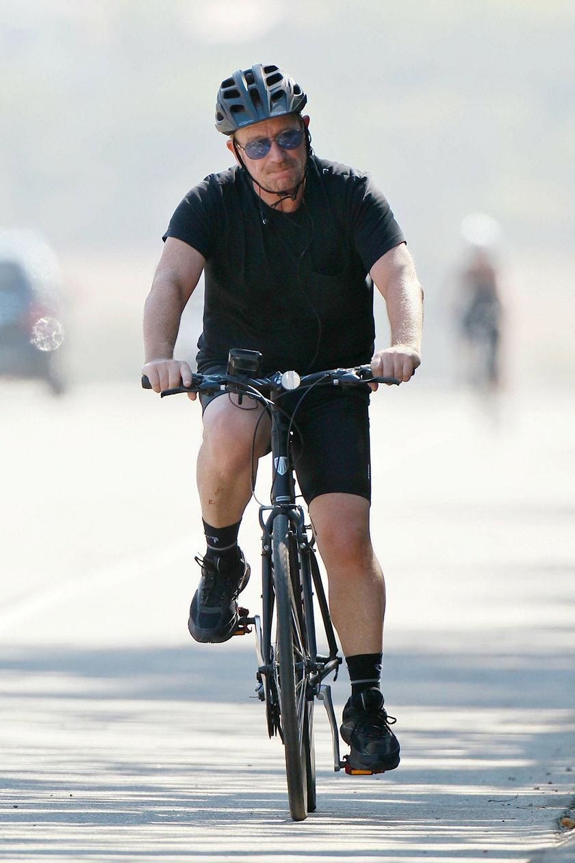 Bono na rowerze